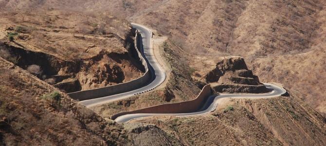 Przez góry i doliny rzek Tigraiu